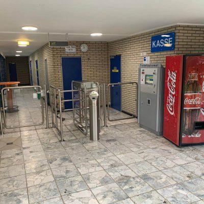 Eingang-Hallenbad